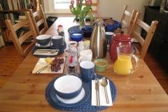 Curse-of-Oak-Island-Breakfast-Table
