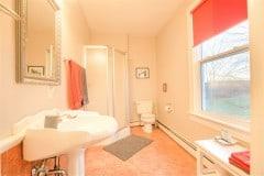 Mahone-Bay-B-B-Room-2-Bath-2