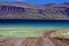fantastische-Farben-auf-dem-Weg-von-Patreksfjoerdur-nach-Breidavik-2