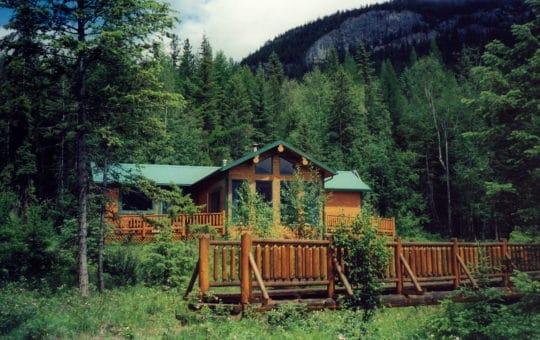 Gemütliche Wilderness Mountain Lodge im Kootenay Valley