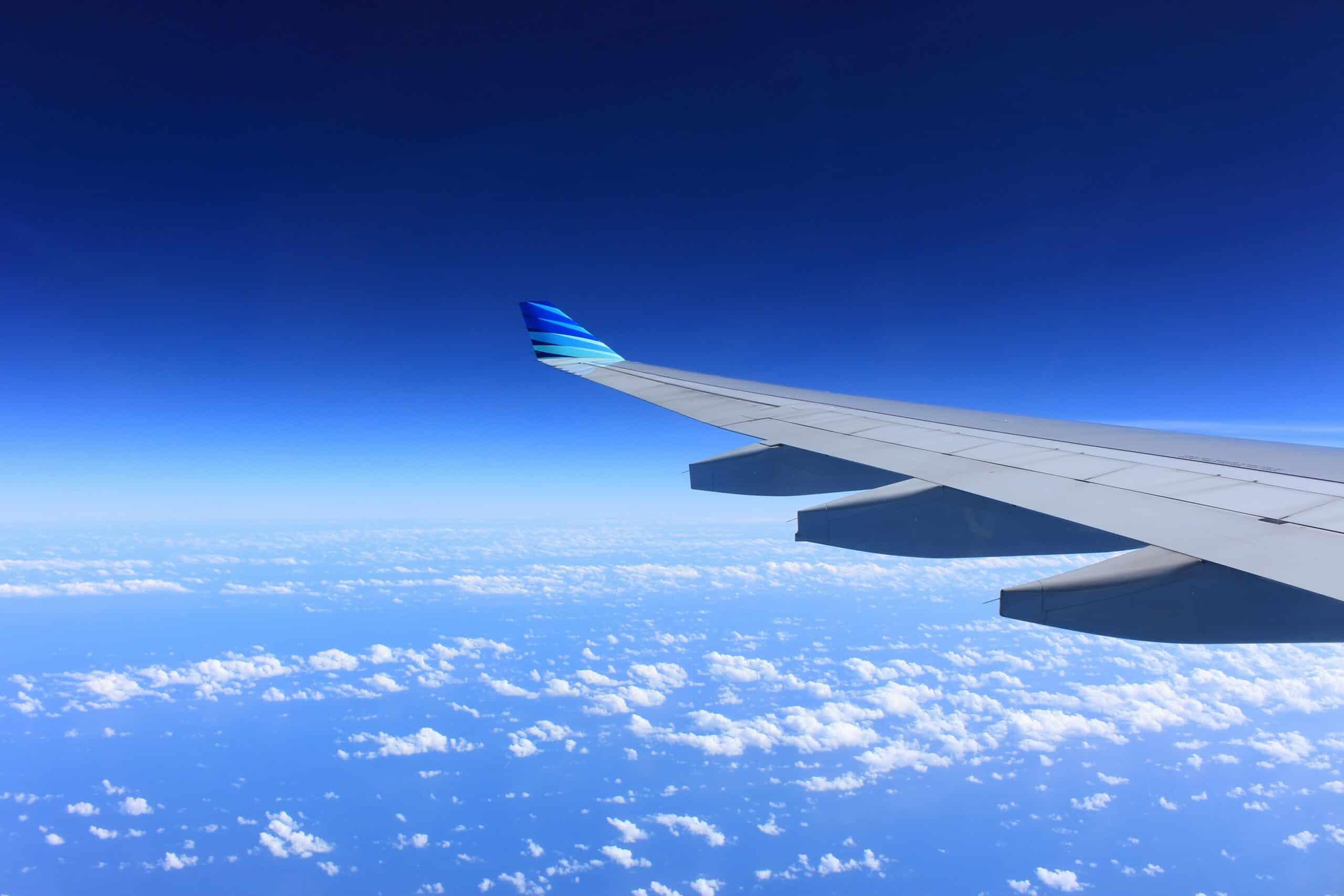 Flugzeug in der Luft - Werbebild
