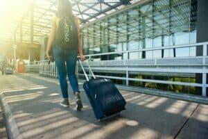 Flugreise, am Flughafen - Werbebild